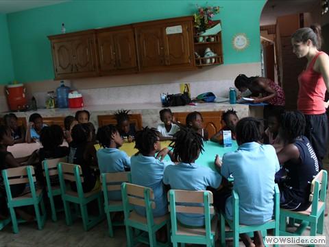 Atelier à l'orphelinat de Cavaillon